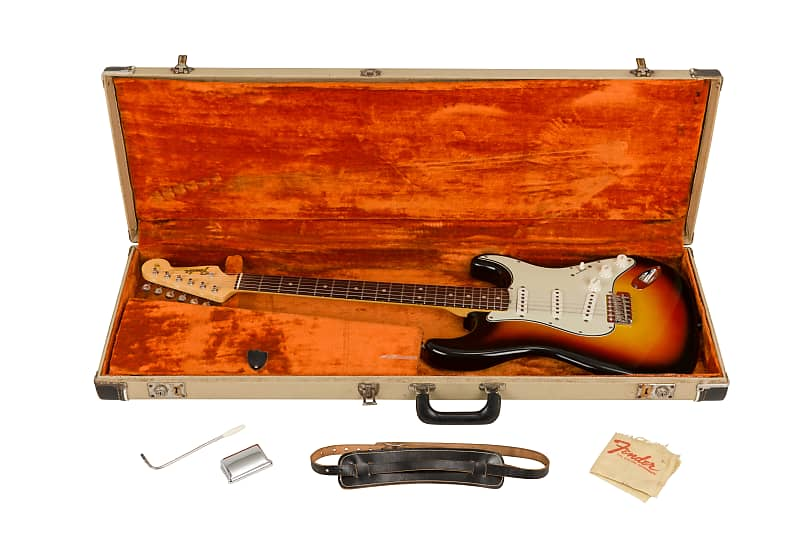 Three Colour Sunburst Stratocaster de 1965