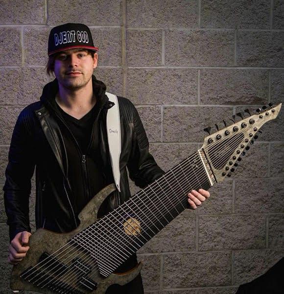 Jared Dines vende su guitarra Ormsby de 18 cuerdas en eBay