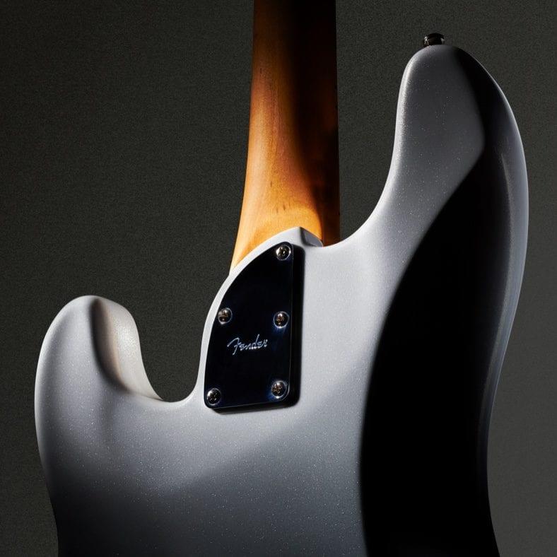 Silueta en el avance de Fender