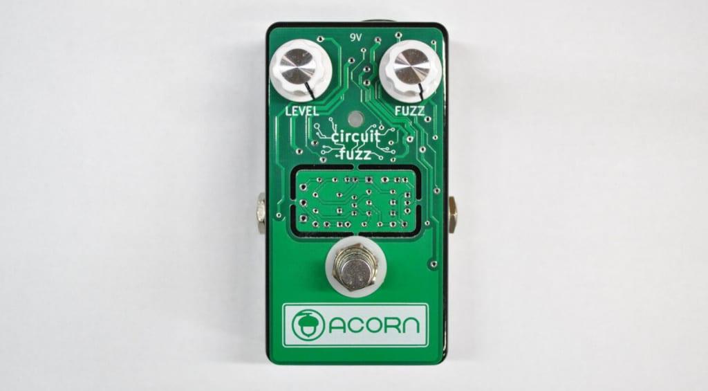 Acorn Circuit Fuzz con Boost PCB integrada