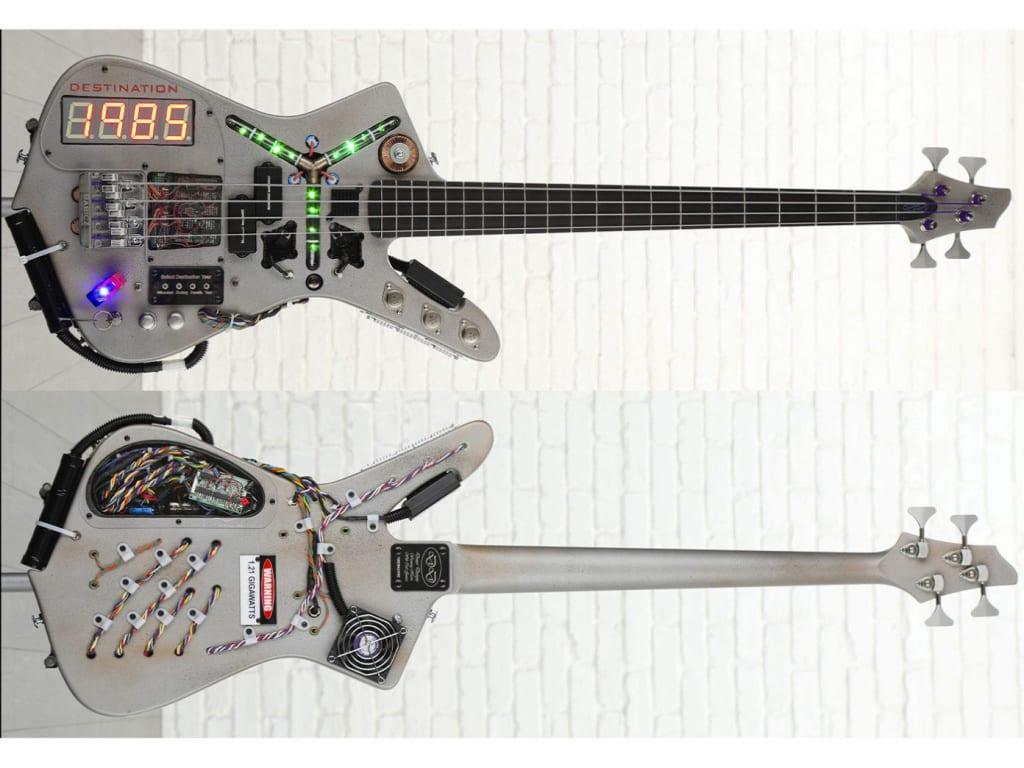 Bajo DeLorean/Time Machine construido por Doner Designs